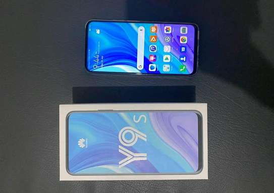 Huawei Y9s / 128 Gigabytes / With Wireless Buds image 1