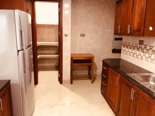 Furnished 3 bedroom apartment for rent in Hurlingham image 5
