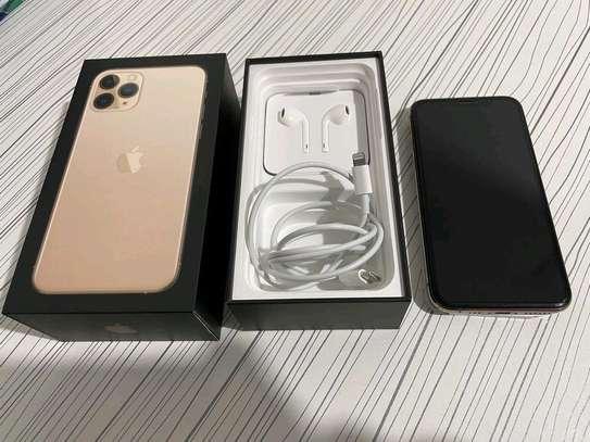 Apple Iphone 11 Pro 512 Gigabytes Gold image 2
