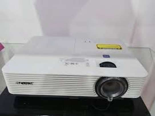 SONY VPL-DX241 Projector image 3
