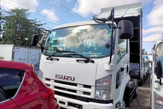 Isuzu Forward image 2