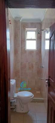 To let 3 bedroom house All ensuite image 3