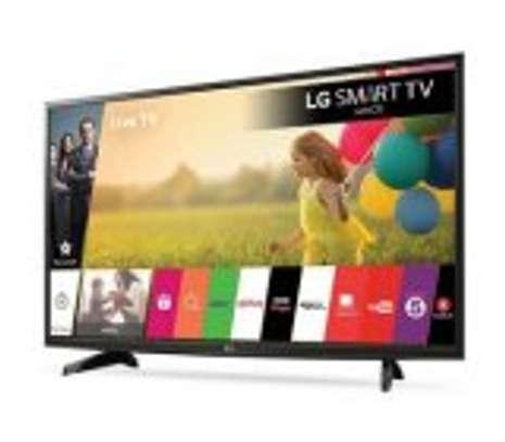 LG 32 inch smart TV image 2