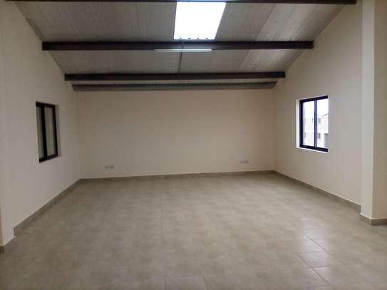 warehouse for rent in Utawala image 14