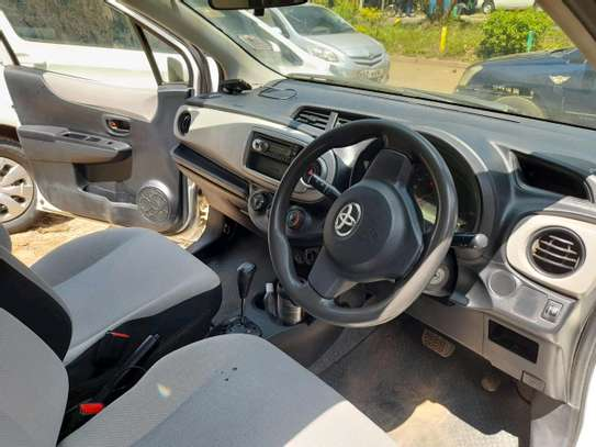 Toyota Vitz image 3