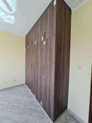 3 bedroom apartment for rent in Tudor image 8