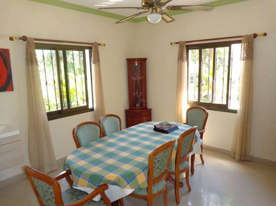 4 br fully furnished house with swimming pool for rent in Nyali. ID1529 image 6