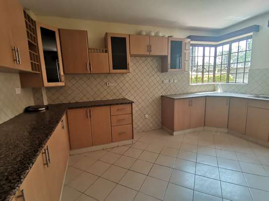 CLEAN AND SPACIOUS 5BEDROOM TOWNHOUSE WITH DSQ image 8