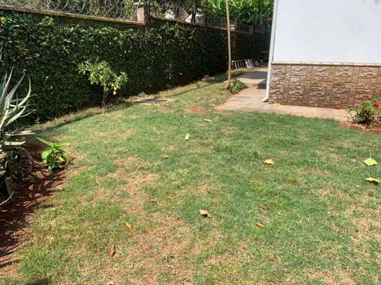 4 bedroom townhouse for rent in Lavington image 20