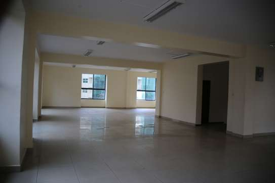 15035 ft² commercial property for rent in Upper Hill image 8