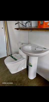 One piece toilets image 1