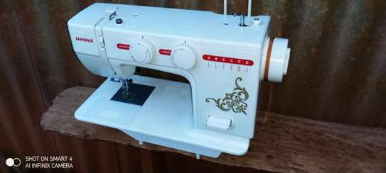 Electric Sewing machine image 4