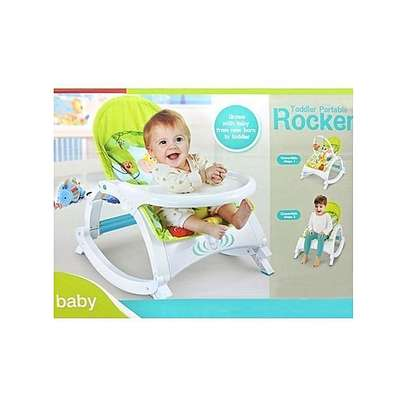 2 IN 1 Toddler Portable Baby Rocker with Dining Table, Music and Vibration 0-3yrs