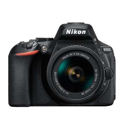 Nikon D5600 Camera With 18-55mm Lens - Free Lens Cap and 32GB SD Card image 2