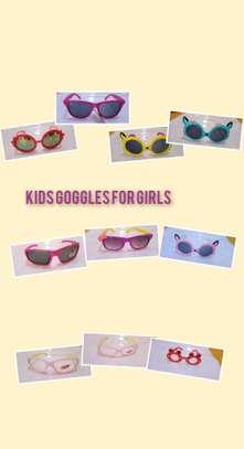Kids sun glasses or goggles sunglasses image 3