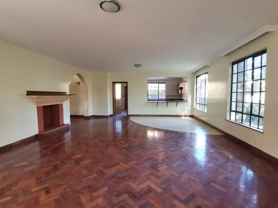 Contemporary 5bedroom townhouse with dsq image 10