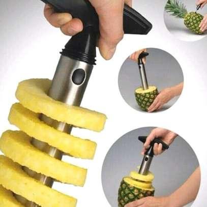 Pineapple peeler and slicer image 1