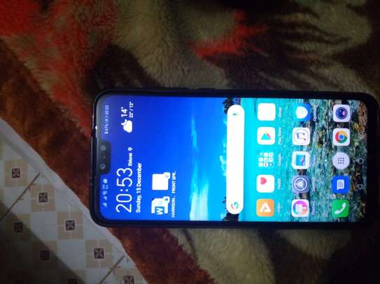 Used smartphone, looks new, no scratches, all accessories available. image 1