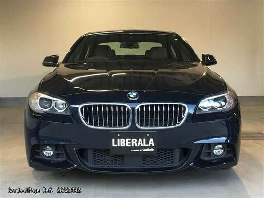 BMW 5 Series image 7