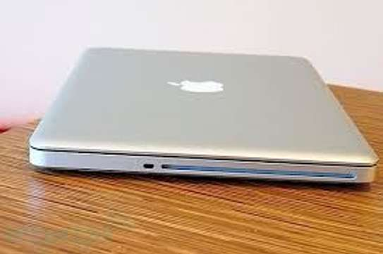 MacBook Core i5 image 2
