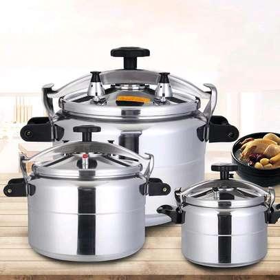 Non explosive pressure cooker image 1