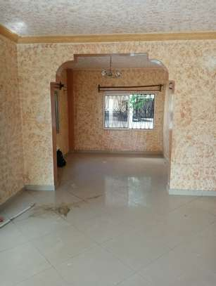 4br maisonnette all-ensuite for rent in Nyali image 4