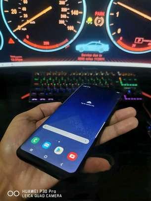 Samsung Galaxy S8 Plus 128 Gigabytes Plus Gear Vr image 3