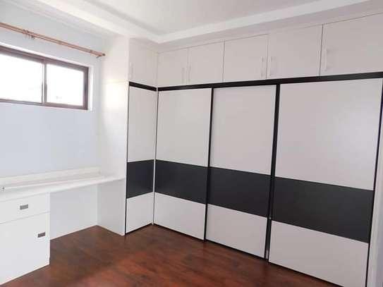 4 bedroom townhouse for rent in Runda image 11