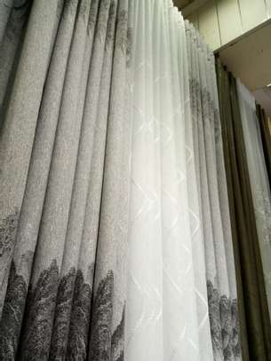 Quality flowered curtains image 3