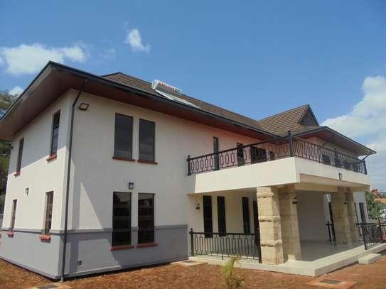 6 bedroom house for rent in Runda image 3