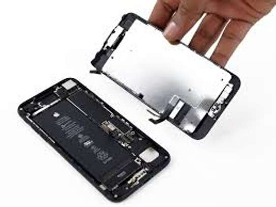 Iphone 7+ Screen Replacement image 2