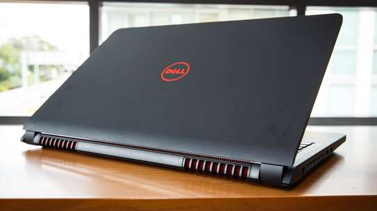 Dell Inspiron 15 7000 series with nvidia graphics 1060 with Max Q design