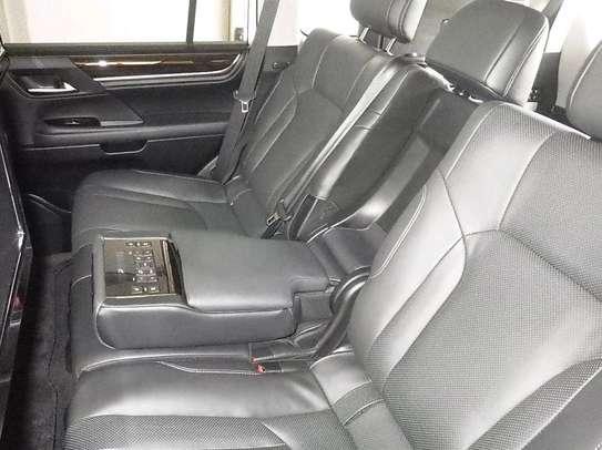 Lexus LX -570 2016 Fully loaded car image 4