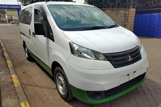 Mitsubishi Delica image 15