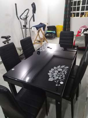 6 seater dining table image 4