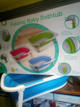 Folding Baby Bathtub with Free 6 singing Ducklings Toys image 1