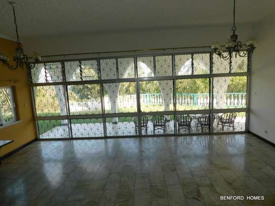 6 bedroom house for rent in Nyali Area image 14
