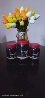 Pure raw honey image 5