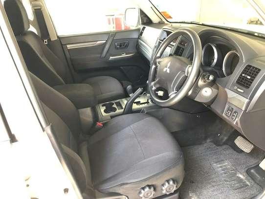 Mitsubishi Pajero image 13