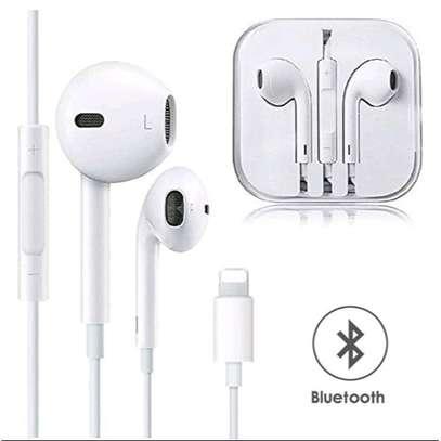 iPhone 7,7p,8,x ...... earphones image 1