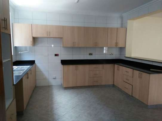 Red Hill - Flat & Apartment image 15