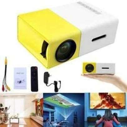 Portable Projector image 3