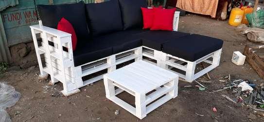 4 seater spacious pallet sofa/pallet furniture image 1