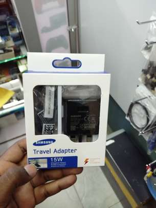samsung travel charger. image 1