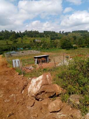 Selling prime plots in Korompoi for immediate development and at KAG University. image 1