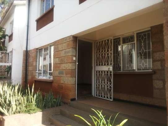 4 bedroom townhouse for rent in Rhapta Road image 9