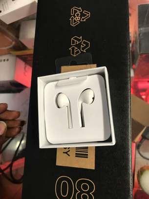 Apple iPhone 7 to 12 EarPods image 1