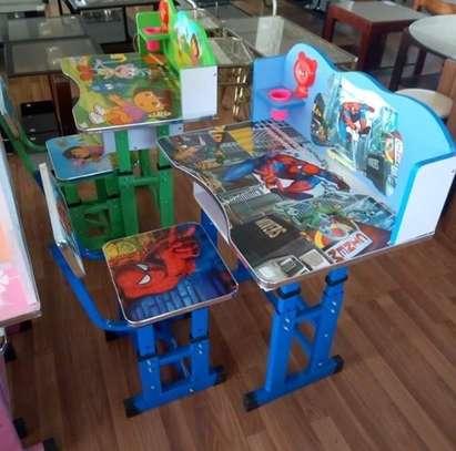 kids study tables image 1