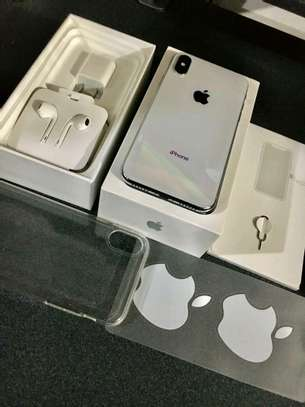 Apple Iphone X The 256 Gigabytes Silver Colour image 1