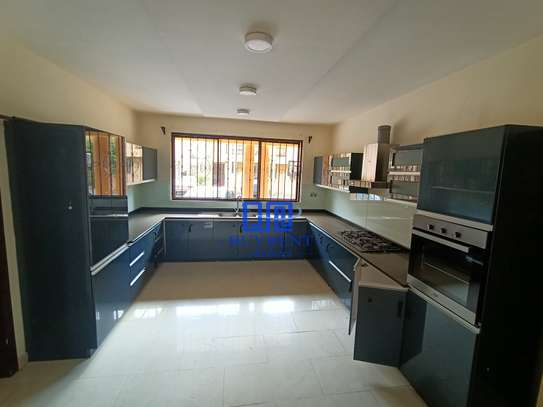 5 bedroom house for rent in Kyuna image 17